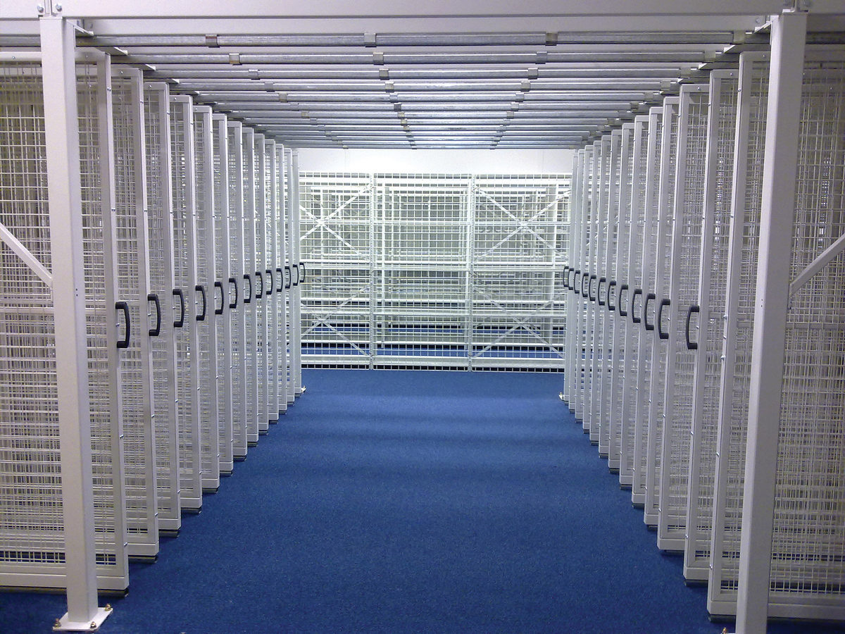 We offer you a selection of systems specific to your gallery storage requirements