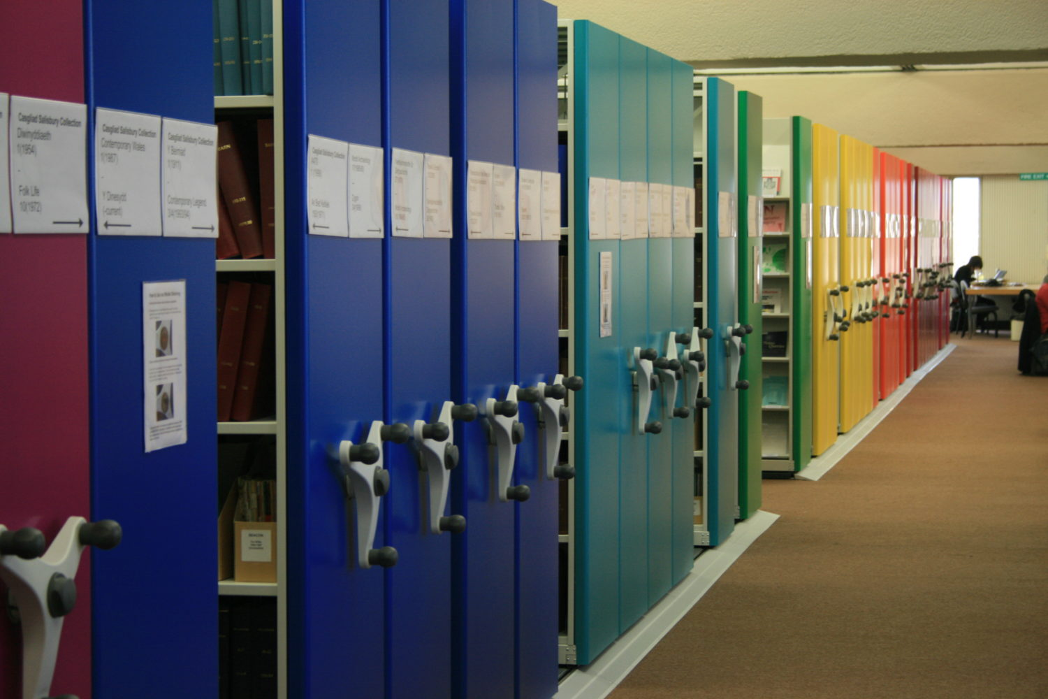 Mobile shelving end-panels with a variety of colours